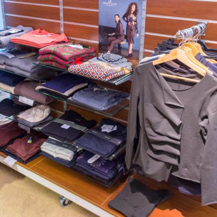 Faire Textilien hat der Weltladen A Janela ebenfalls im Programm.