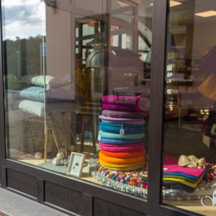 Zweites Schaufenster vom Weltladen Weilburg ZWEI.