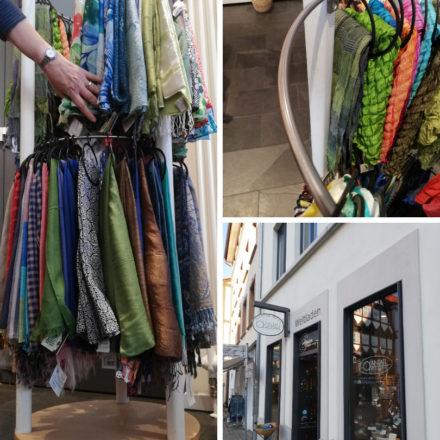 Der Weltladen Hameln hat sich seinen Schalständer selber gebaut.