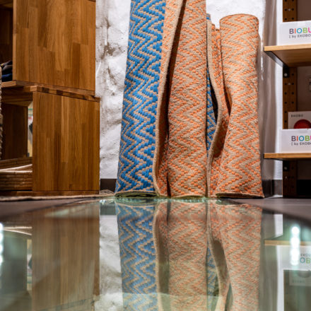 Glasboden über dem freigelegten Kellergewölbe